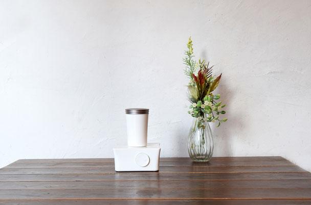 玄関からリビングまで広く香る。強さ調整&消臭も出来る、新しいアロマディフューザー。